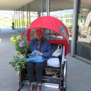 fleurige dame uit Wijnegem